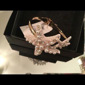 Beautiful Betsy Johnson bracelet starfish pearl